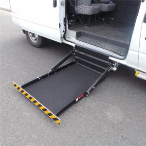 Ce Certified Electric Wheelchair Lift for Car and Van with Loading 300kg pictures & photos