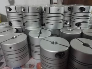 Shaft Coupling (Parallel Coupling, Clamp) pictures & photos