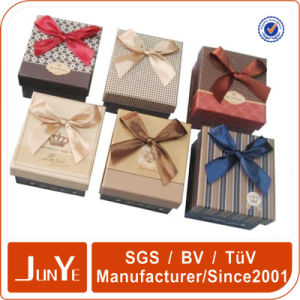 Custom Design Paper Christmas Gift Box with Lid Manufacturer
