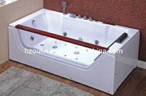 White Acrylic Sanitary Whirlpool Massage Bathtub (OL-673) pictures & photos