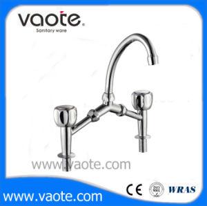 Double Handle Sink Kitchen Faucet (VT60206) pictures & photos