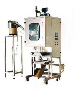 7 Liter Alcohol Packing Machine / Valve Mouth pictures & photos