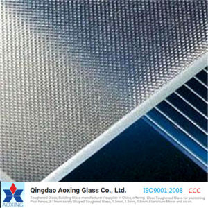 Super Clear Low-Iron Patterned Solar Glass for PV Module pictures & photos