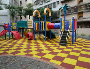 Colorful Playground/Kindergarten/Gym Rubber Tiles/Rubber Floor Tiles pictures & photos