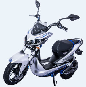 2016 Fashion Patent Design Electric Moped Scooter pictures & photos