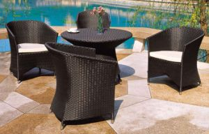 Outdoor Bistro Set Rattan Chairs with Coffee Table pictures & photos