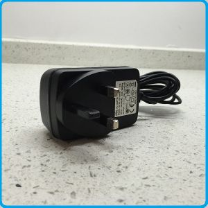 UK Plug-in Transformer for 12V LED Light pictures & photos