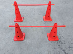 Peru Standard 35.5cm Plastic Safety Training Cone pictures & photos