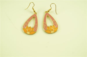 Teardrop Earring with Lotus Flower with Epoxy pictures & photos