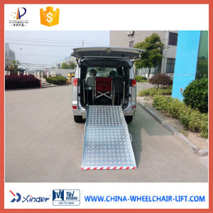 350kg Aluminum Wheelchair Loading Ramps for Wheelchair Passenger pictures & photos