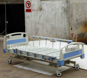Hot Sale Three Function Electrical Medical Bed 2017 pictures & photos