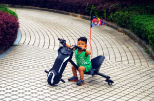 Jinyi Brand Trike Drift Electric Pocket Bike Mini Kids Car 3 Wheels Trike (JY-ES002) pictures & photos