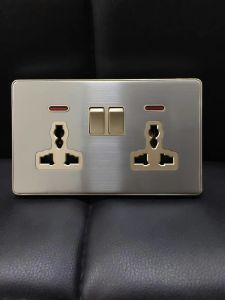 British Standard Stainless Double 13A Multi-Functional Switched Socket with Neon pictures & photos