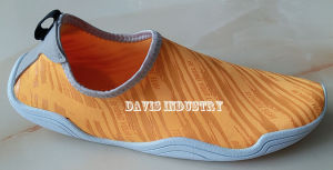 Water Shoes for Men pictures & photos