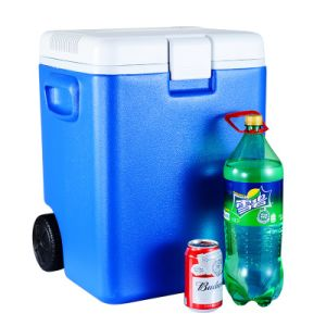 30L DC 12V Mini Portable Car Fridge with Cooling and Heating Function pictures & photos