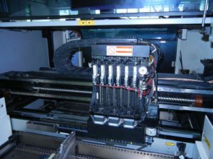Vision System Pick and Place Machine for 0201 BGA pictures & photos