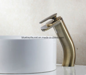 Ce Waterfall Lavatory Faucet pictures & photos