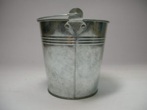 Home Gardening Galvanized Bucket /Household Bucket / Watering Cans pictures & photos