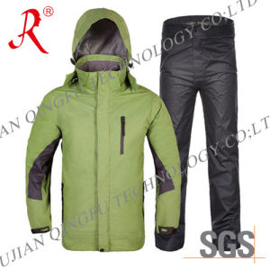 New Style Waterproof and Breathable Rain Suit (QF-709) pictures & photos