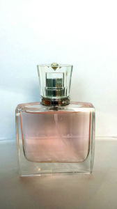 Women Perfume with Flower Decorate pictures & photos