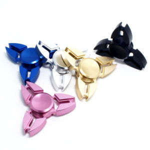 Crab Three Corners Fingertip Gyroscope Hand Spinner Aluminium Alloy Toys Bm88 pictures & photos