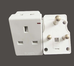 South Africa 15A Travel Adaptor with 13A Socket pictures & photos