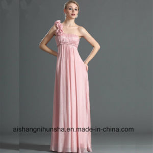 One Shoulder Straight Neckline Hand-Made Flowers Bridesmaid Dress pictures & photos