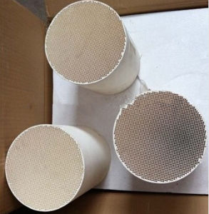 Universal Cordierite DPF Diesel Particulate Filter for Diesel Engine Emission pictures & photos