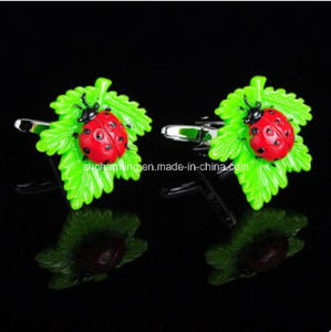 Novelty Men′s Jewelry Green Leaf & Ladybug Cufflinks