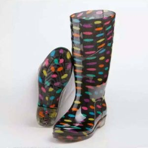Chile Market Waterproof PVC Rainboots for Lady pictures & photos