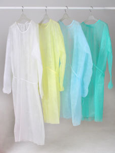 Disposable Plastic Coated Surgical Gown pictures & photos