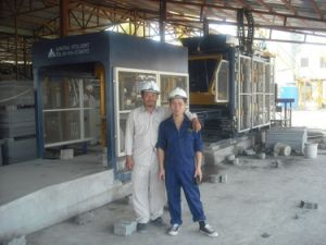 Fly Ash Brick Making Machine Qft10-15 pictures & photos