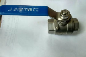 Female Two Piece Ball Valve with Thread End for Staniless Steel pictures & photos