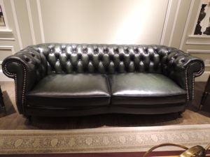 Stylish and Typical Vintage Leather Sofa (A29) pictures & photos