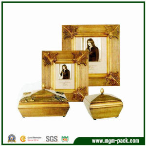 Luxury Golden Wooden Gift Picture Frame with Patterns pictures & photos