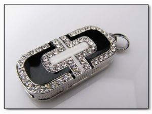 Jewelry-Shaped USB Drive with 32MB to 16GB Memory Capacities, OEM and ODM Orders Welcomed pictures & photos