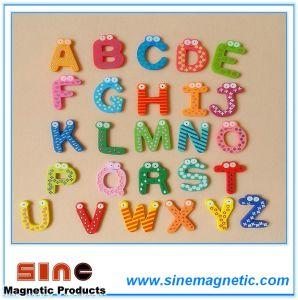 Educational Wooden Alphabet Fridge Magnet pictures & photos