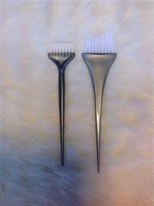 Hair Tinting Brush Comb Hair Dying Brush (T018) pictures & photos