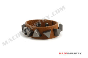 Fashion Leather Wristband / Bracelet (SL25)
