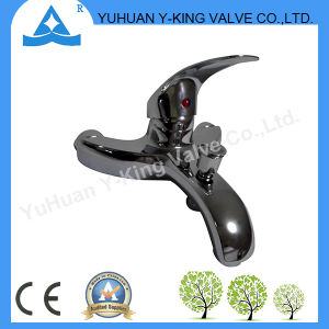 High Quality Hot Sales Brass Basin Faucet (YD-E028) pictures & photos