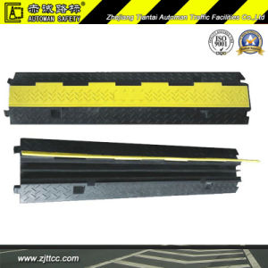 2channels Reflective Industrial Rubber Cable Safety Protector Hump (CC-B17) pictures & photos