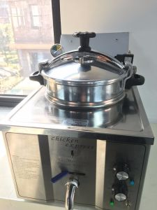Mdxz-16 Ce Counter Top Electric Chicken Pressure Fryers for Sale pictures & photos
