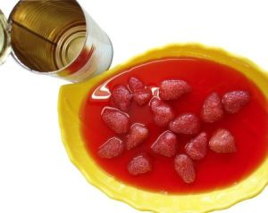 Canned Strawberry in Syrup with High Quality pictures & photos