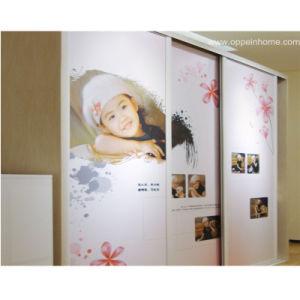 Oppein Custom Photos Sliding Dresser Wardrobe (OP-YG1109) pictures & photos
