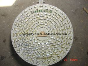 En124 Round Casting Iron Manhole Cover Frame with Hinging pictures & photos