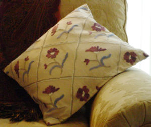 Embroidery Home Decorative Pillow&Pillow Cover pictures & photos