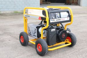 8kw Generator Petrol with Sitesafe RCD and 4 X Pneumatic Large Wheels (FC8000SE) pictures & photos