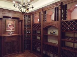 Customized Classic and Luxury Wood Wine Cellar Wine Storage pictures & photos