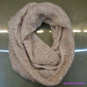 100% Arylic, 2014 Hot Selling Winter Scarf pictures & photos