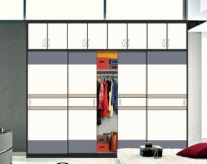 New Glossy Wooden Sliding Door Wardrobes (customzied) pictures & photos